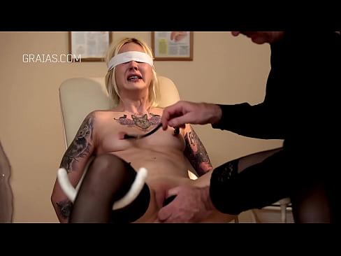 Cruel pussy stretching