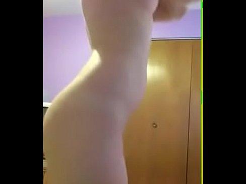 Mi nueva novia desnuda y masturbandose por whatsapp