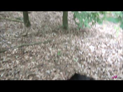 Berliner Strassen Nutte im Park von Schwarzen gefickt - German Interracial