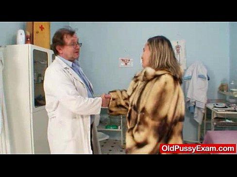 Unlovely oma gyno speculum muff checkup