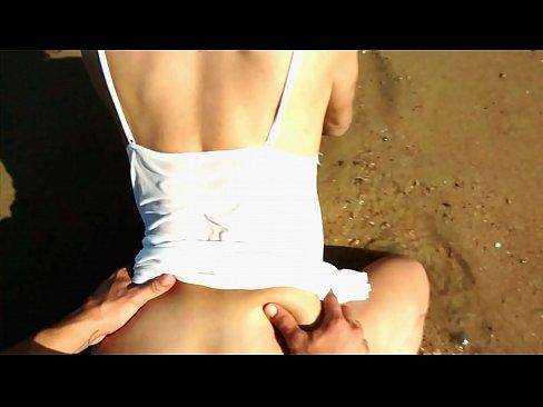 Sexo, amig@s y playa. Qué puede salir mal?