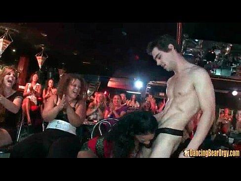 6 VS 100 - DancingBearOrgy.com
