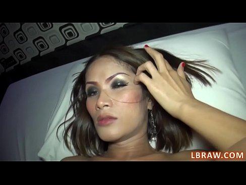 Ladyboy Masseur Fucks Guy Bareback and Gets Fucked