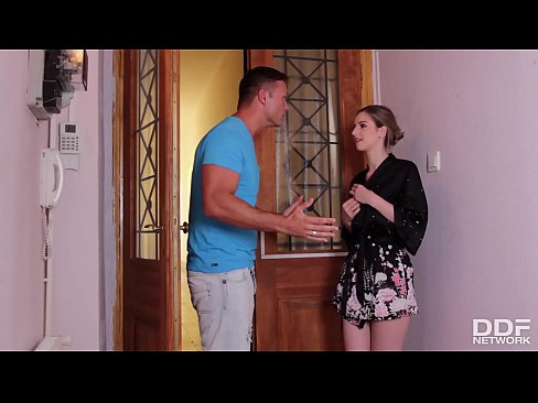 Sultry Italian Stella Cox gives her neighbor the best blowjob of his life
