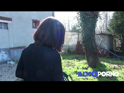 Agricultrice aux énormes seins - FRENCH illico porno