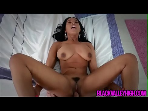 Cute Ebony Teen Jenna Foxx Sneaks Around Dad To Fuck Bf