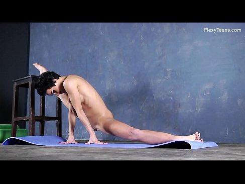 Liza Raykina sexy naked gymnastics