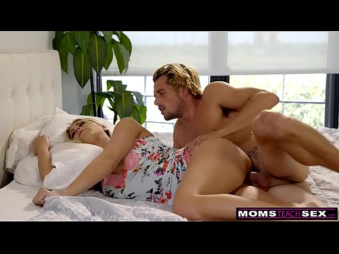 MomsTeachSex - Mom And Son Share Bed And Fuck S7:E3