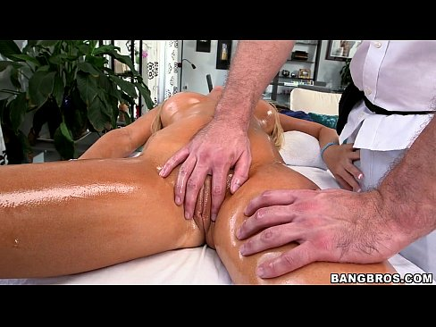 Tasha Reign Enjoys the Pornstar Spa Treatment