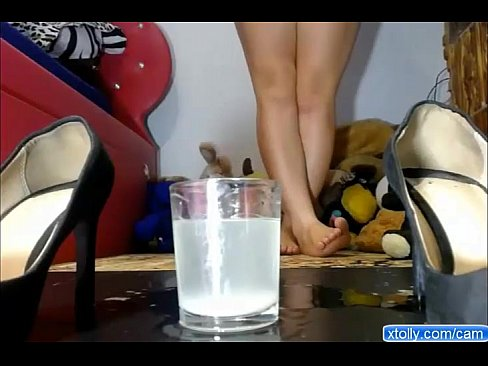 Girl squirting in glass on cam - more cams on xtolly.com