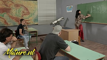 Horny Teacher F ucked Her College Students Aft ge Students After Class