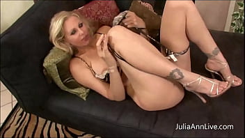Sexy Mature Snatch Julia Ann Sucks And Fucks Your Dick In A Dirty POV!