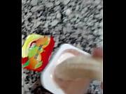 Banana muy caliente viola a un pobre peque&ntilde_o yogurt virgen