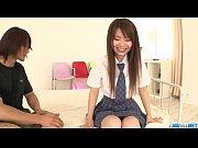 直嶋あい 綺麗な茶髪ロングの童顔JKが股を拡げられて開いたオマンコをオナホール代わりにされてしまう。