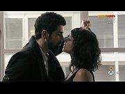 Sara Casasnovas en una escena de sexo en Sin Identidad