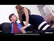 BUMS BUERO - Horny secretary Julie Hunter fucks boss in the office