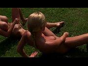 zwei lesbische schwestern ficken sich outdoor