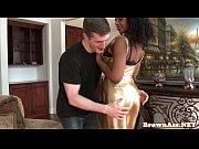 Ebony booty babe bounces butt before facial