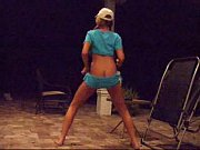 Sexy White Girl Dances To lil Wayne
