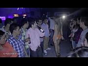 Adriana S&aacute_nchez '_La Bomba'_ y sexys modelos en desfile