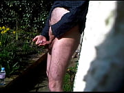 Garden Wank And Cum In Tissue