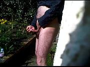 garden wank and cum in tissue