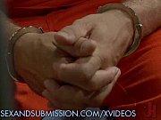 thumb Dirty Milf Ward en Fucks Inmates s