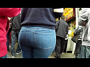 big ass jeans.. latinas..