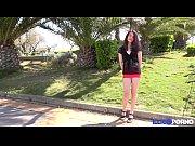 Lola jolie brunette aime le sexe [Full Video]