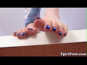 Spex shemale showing feet after pedicure