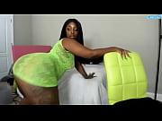 queen cherise roze ebony dancing