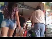 el culito en mini shorts 2015