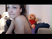 stunning teen masturbates in stockings in live camshow.