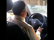 Mi novia se quita el hilo en el taxi