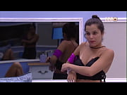 Emilly Pagando Peitinho no BBB 17