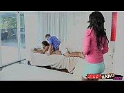 Stepmom Bianka and teen babe Sarai crazy threesome session