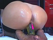Hottie Fucks Herself Good Up Close Pussy on Cam CamGirlsUntamed com