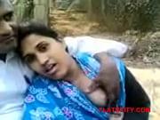 Desi girlfriend boobs press at park