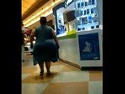 Tremenda gorda culona, caderona y piernona de vestido veraniego