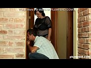 Fat MILF call plumber but she can 039 t hold facesitting on him