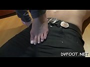 Angel gives a steamy footjob and gets her sex toes sucked