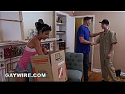GAYWIRE Mover Fucks Client Raw While The Girlfriend Is Home! OMG