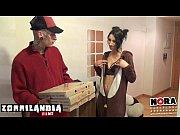 El pizzero, picha a domicilio.