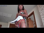 Ebony shemale in red stockings sucking