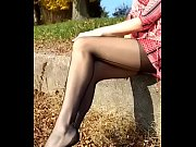 cams4free.net - german milf removes shoes.