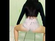 Novinha dan&ccedil_ando funk de shortinho