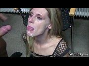 extrem schlanke bitch wird im separee bei party gefickt