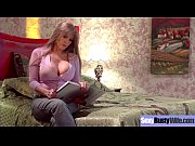 (Darla Crane) Round Big Tits Mommy Enjoy Hard Sex movie-12