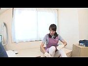 巨乳熟女の澤村レイコが息子に興奮して激しいオナニーを始める