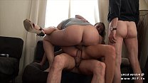 Small titted squirt french slut hard double penetrated in a gangbang Vorschaubild